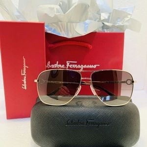 Salvatore Ferragamo Sunglasses Style SF170 in Gold